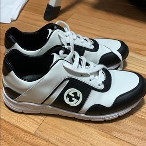 gucci trainers black and white
